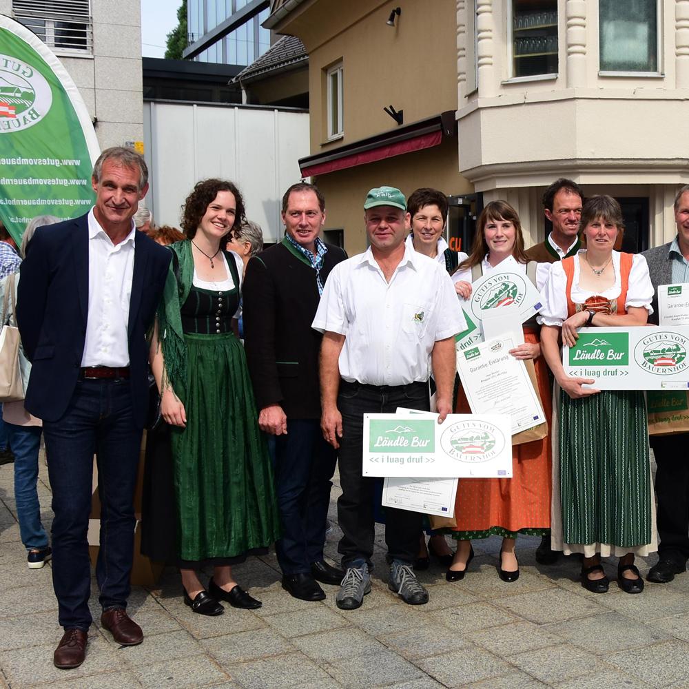 metzler naturhautnah Gutes vom Bauernhof - Hoftafelverleihung